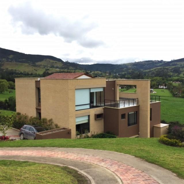 Valle Alto - La Calera-portada